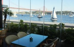 Cafe Inn restaurant bar, Lisbon
